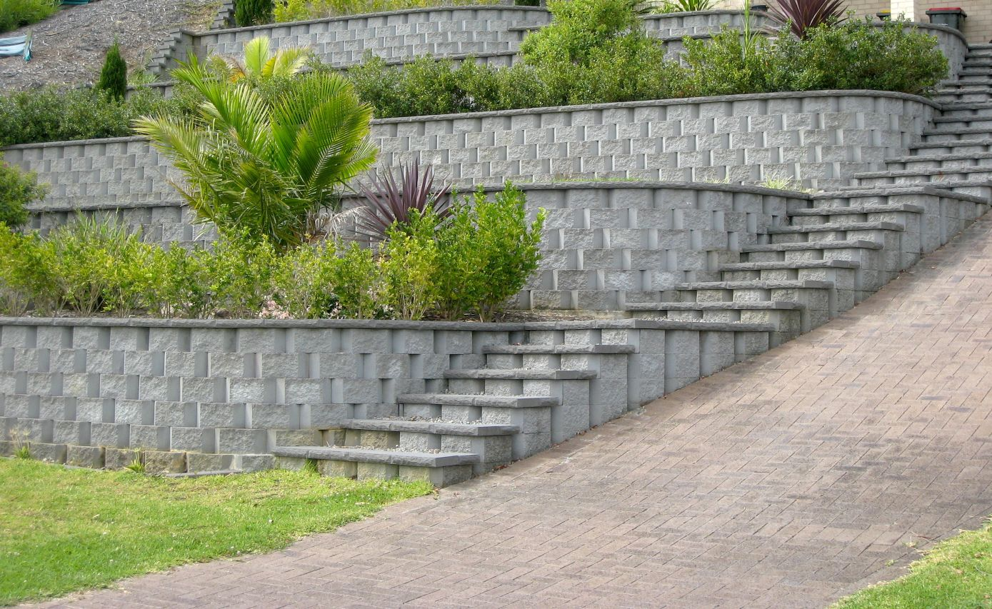 Contractors - Retaining Wall
