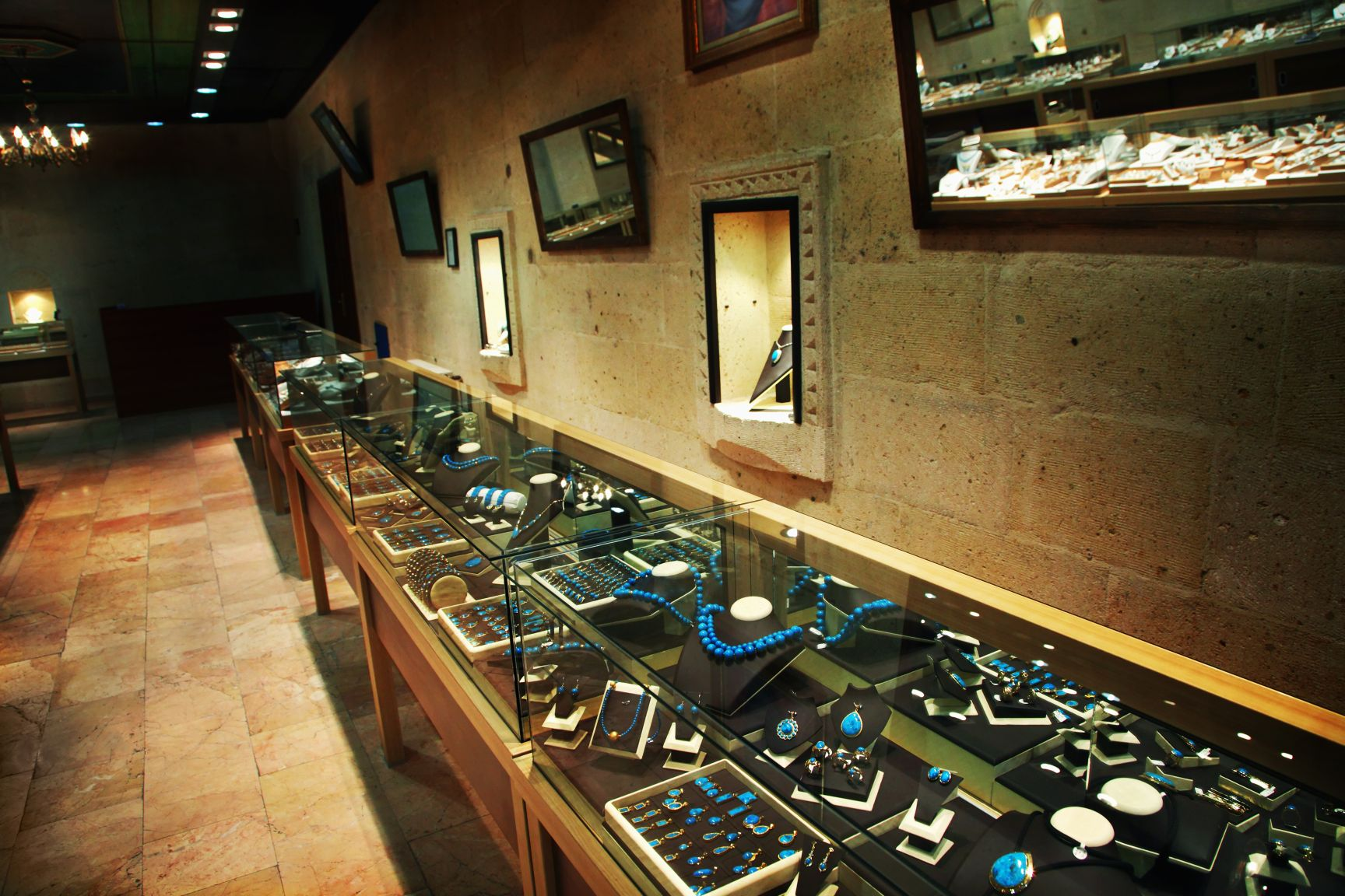 Jewelers - Retail