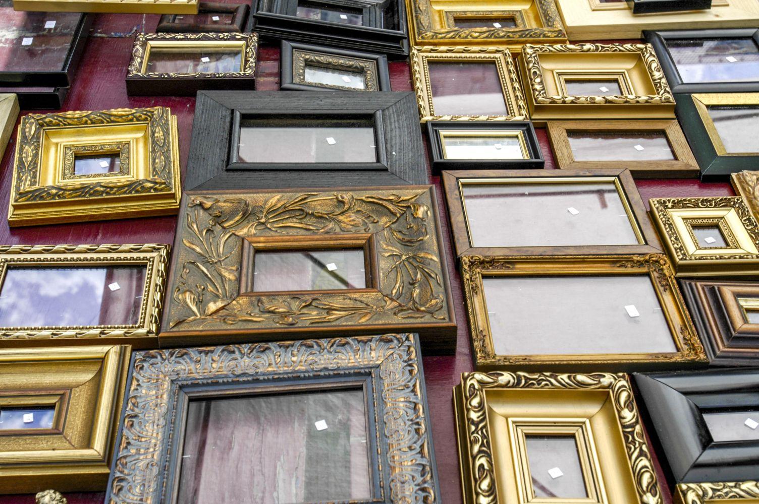 Picture Frames - Dealers