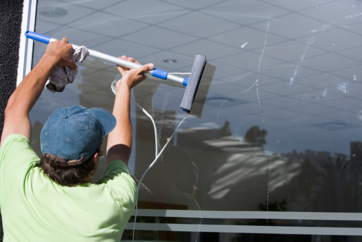 -crystal-clear-window-cleaning